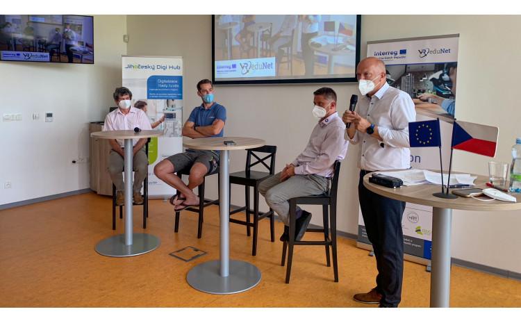 Panelové diskuze k tématu virtuální a rozšířená realita