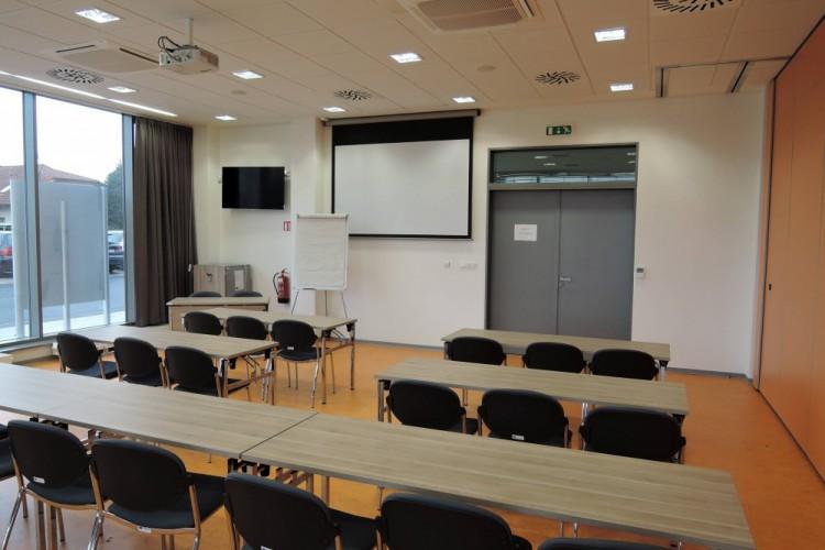 přednáškový sál - část B